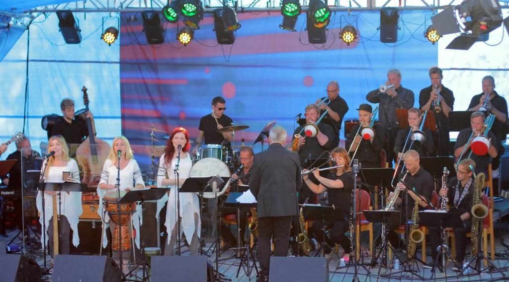 Bothnia Rythm Orchestra med Ulvens Dotter